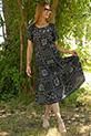 Cicek Desenli Tokalı Dokuma Elbise / SIYAH